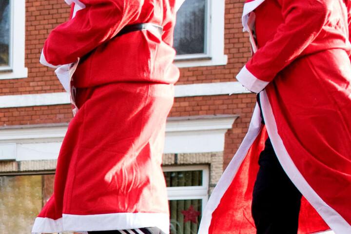 Der 22-Jährige war an Fasching als Nikolaus verkleidet vor einem Wirtshaus ausgerastet. (Symbolbild)