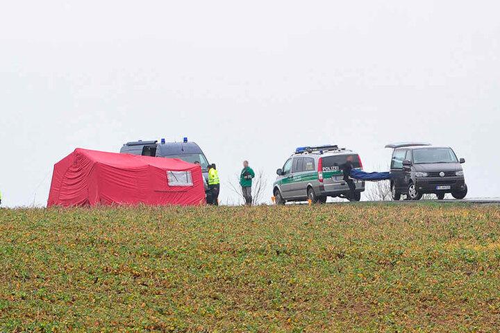 Der Familienvater soll auf einem Feld in Oederan-Breitenau überfahren und getötet worden sein.