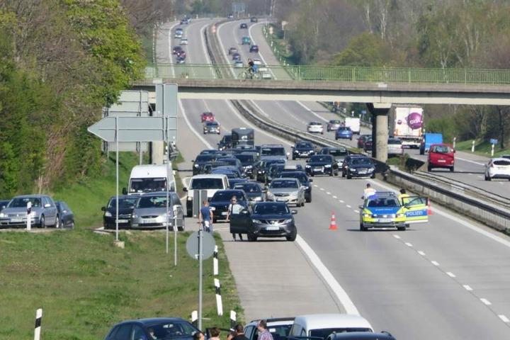 Die Polizei leitet in Grimma von der Autobahn ab.