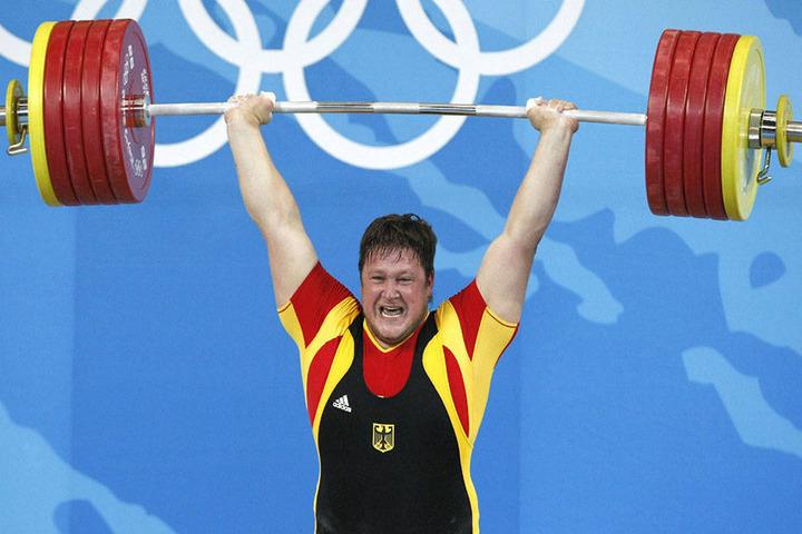 Bei den Olympischen Spielen in Peking 2008 wurde Steiner Olympiasieger im Gewichtheben.