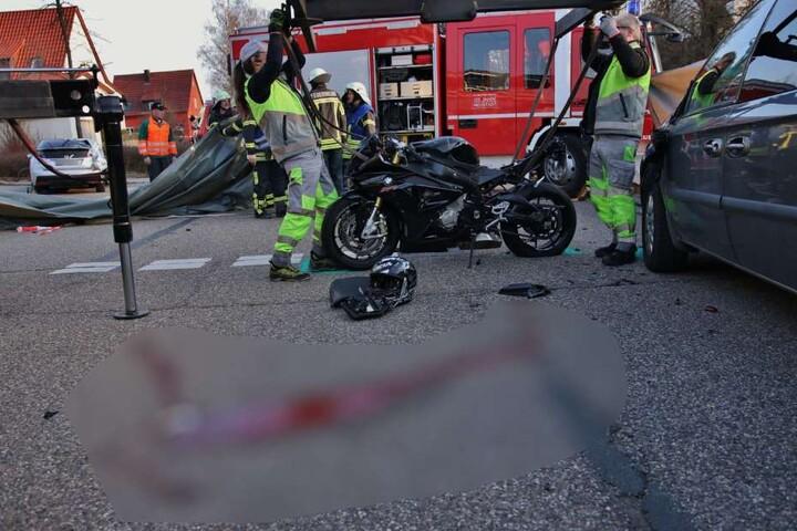 Jegliche Hilfe kam für den Motorradfahrer zu spät.