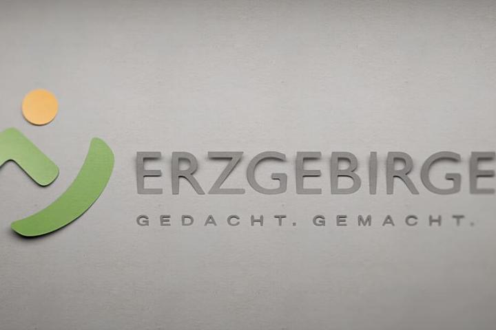 """""""Gemacht - gedacht"""" - mit diesem Slogan endet der Werbefilm aus dem Erzgebirge."""
