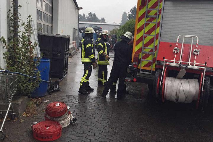Die Feuerwehr Bielefeld rückte mit einem Großaufgebot an.