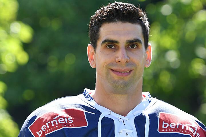 Alexander Höller will mit den Eislöwen eine Serie starten.