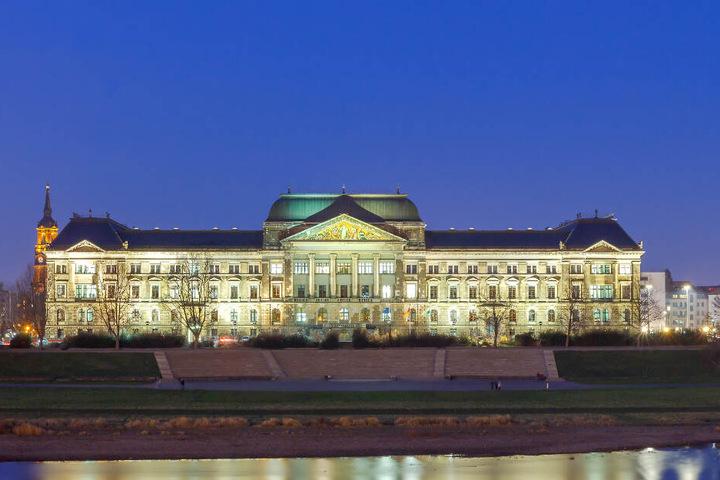 Das Finanzministerium ist eines der Häuser, das bereits so wie gewünscht illuminiert wird