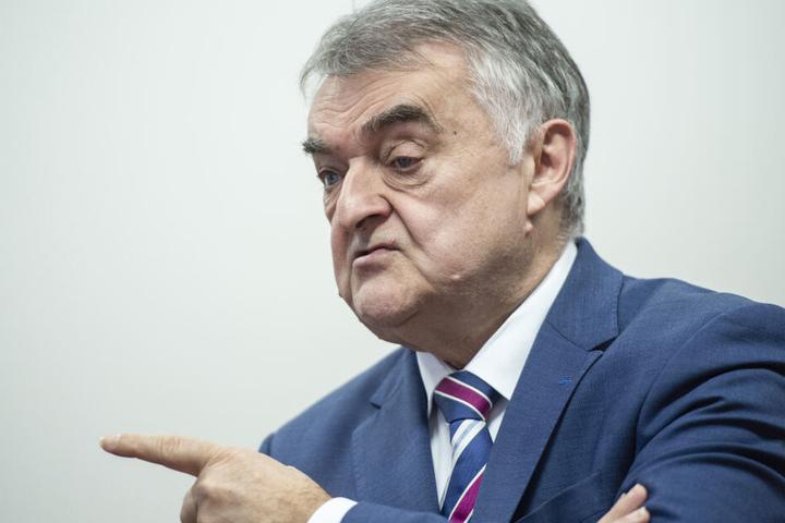 NRW-Innenminister Herbert Reul (CDU) ist der oberste Chef von 50.000 Polizei-Bediensteten.