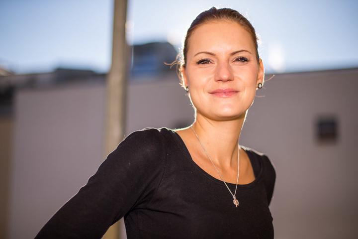 Die hübsche Leipzigerin hat bei 89.0 RTL ihre eigene Radio-Show.