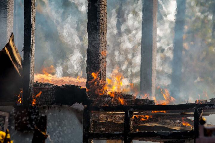 Der Bauernhof in Bayern brannte. (Symbolbild)