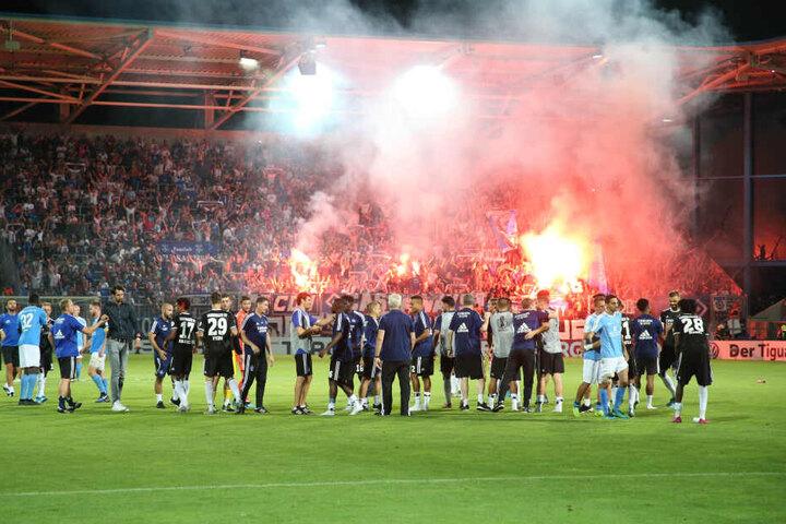 Was für ein Fußballabend! Der CFC bescherte Chemnitz mit dem starken Auftritt im DFB-Pokal gegen den HSV ein echtes Highlight, das am Ende leider unbelohnt blieb.