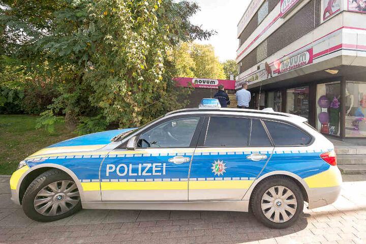 Sowohl die Polizei...