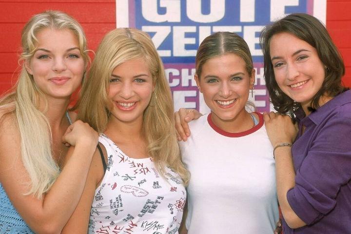 Julia Blum (Yvonne Catterfeld, v.l.), Verena Koch (Susan Sideropoulos), Marie Balzer (Jeanette Biedermann) und Sandra Lemke (Maike von Bremen, r.) waren die absoluten Lieblinge der Soap.