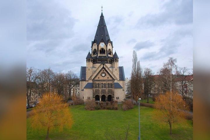 Sie ist das Wahrzeichen des Lutherviertels, die gleichnamige Kirche.