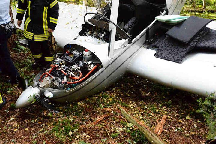 Der Propeller des Flugzeugs knickte ab, wie Zahnstocher.