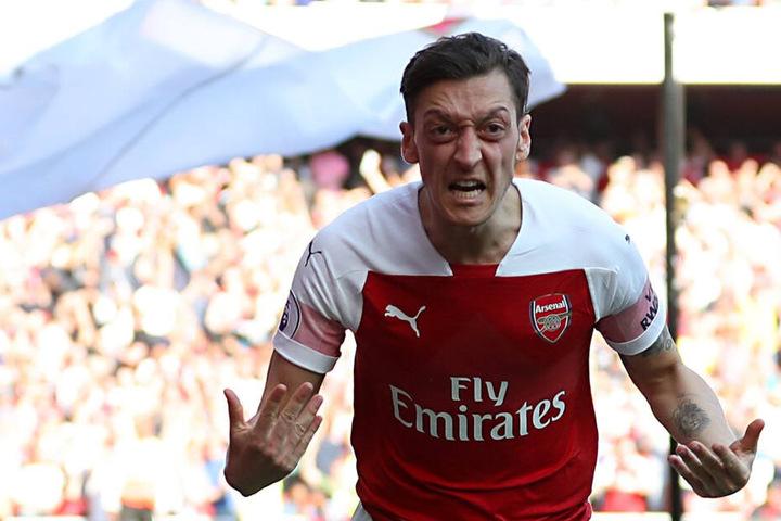 Mesut Özil spielt seit 2013 für den FC Arsenal London.