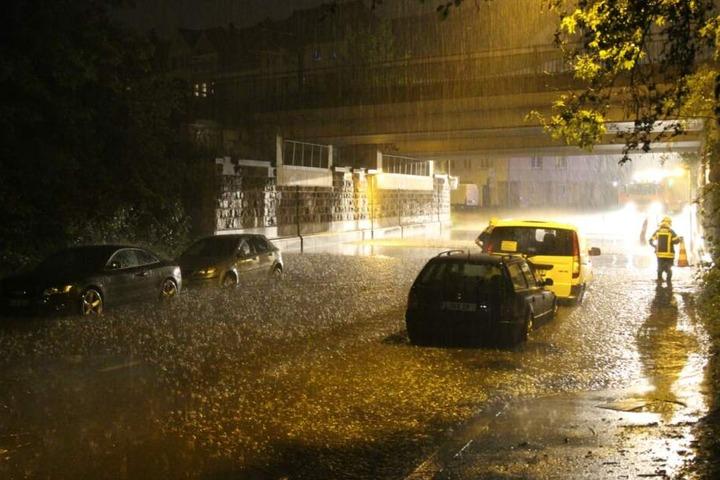 In Leipzig waren durch den Regen mehrere Straßen überschwemmt worden.
