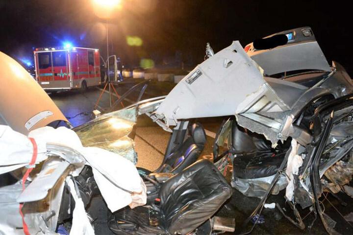 Der BMW-Fahrer wurde ins Krankenhaus gebracht. Er stand unter Alkoholeinfluss.