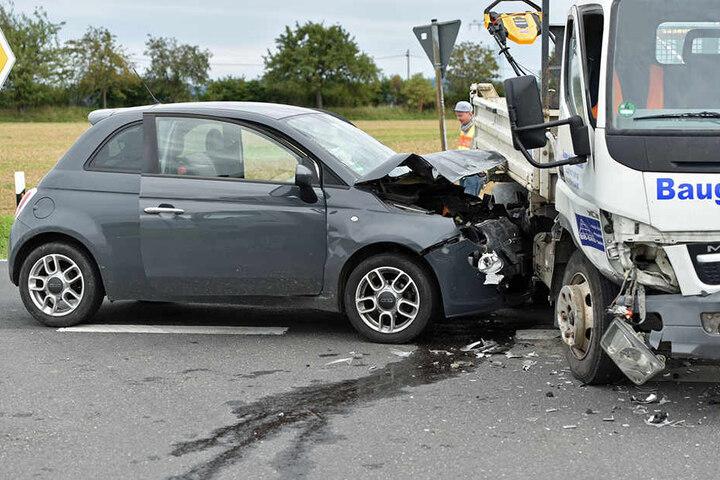 Beide Fahrzeuge erlitten Sachschaden.