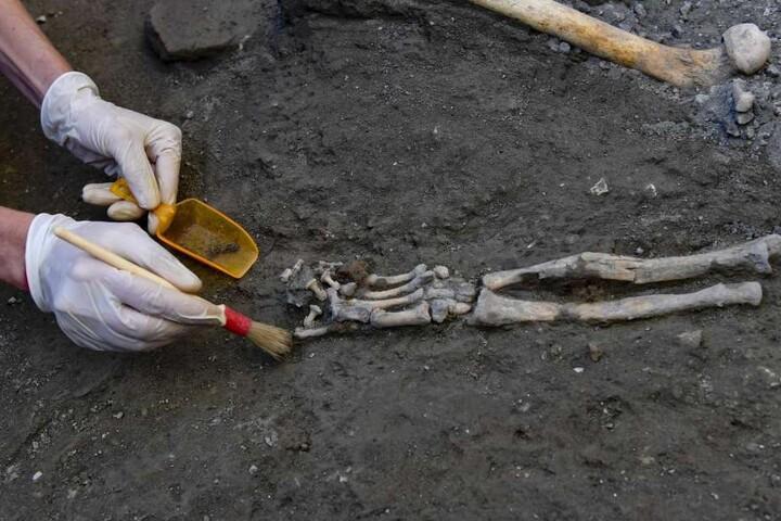 Bei Ausgrabungen wie hier im untergegangenen Pompeji werden immer wieder Amulette gefunden.