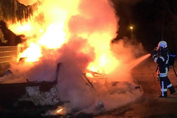 Dieser Sperrmüllcontainer brannte im Palmental.