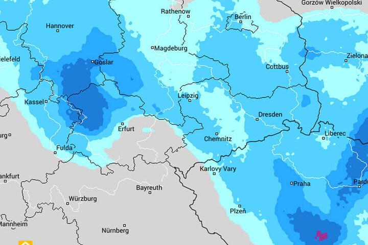 Auf dem Regenradar von wetteronline sieht man das riesige Regengebiet, was bereits am Montag über Sachsen hinweg zieht.