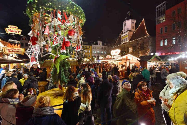 In Jena kann man sich auf der Marktbühne an einem Musical erfreuen.