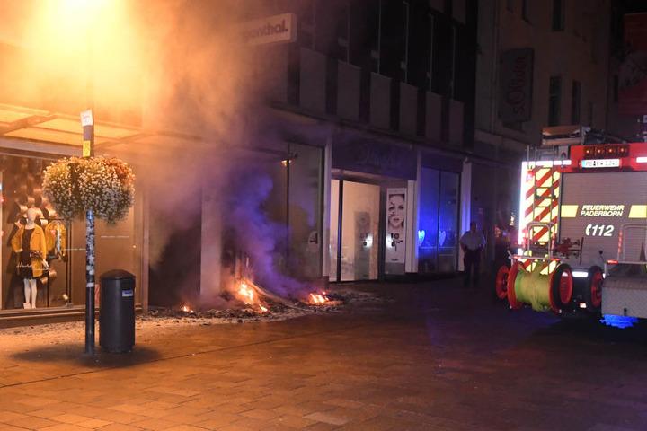 Die Polizei hat ihre Ermittlungen wegen Brandstiftung aufgenommen.