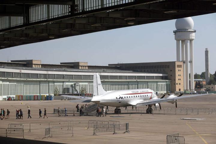 Am ehemaligen Flughafen Tempelhof können Profiläufer und Hobbysportler sich auf der Sport- und Gesundheitsmesse informieren.