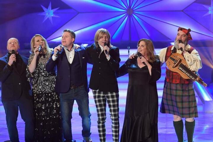 "Die Kelly Family performte den Welthit ""We are the world""."