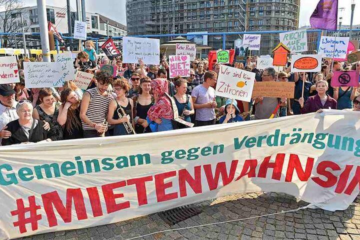"Vergangenen Samstag wurde auch in Dresden gegen den ""Mietenwahnsinn"" demonstriert."