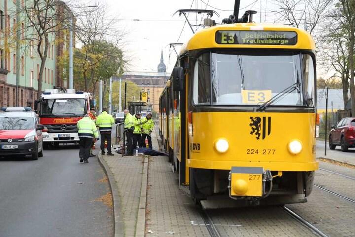 Der grausame Unfall geschah um 9.40 Uhr an der Haltestelle Lößnitzstrasse.