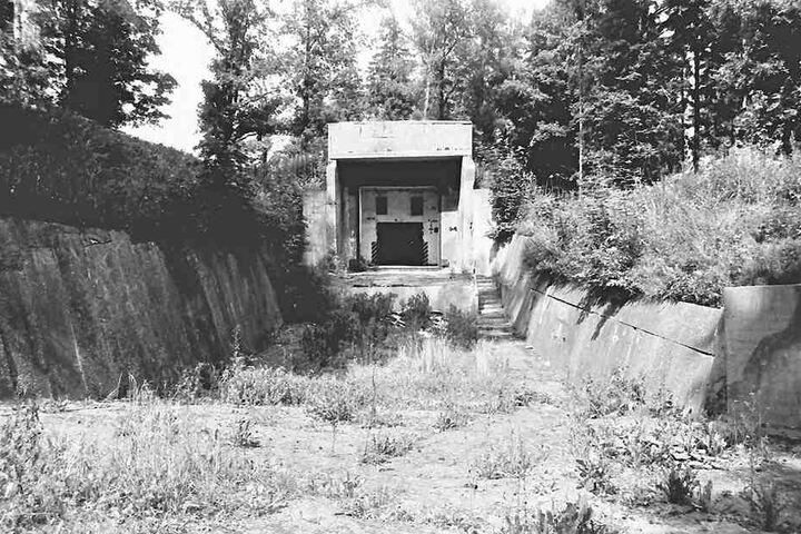 So sah der Bunker 1989 aus. Die Atomsprengköpfe waren ein Jahr zuvor abtransportiert worden.