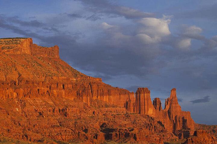 """Die Felsformation """"Fisher Towers"""" in der Nähe von Utah."""