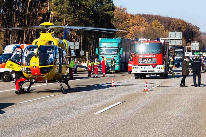 Ein Rettungshubschrauber wurde zwar angefordert, konnte aber unverrichteter Dinge wieder von der Autobahn abheben.