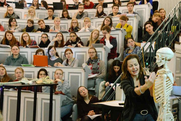 Medizinstudenten bei einer Vorlesung. (Symbolbild)