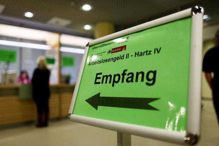 Hartz IV wird auch von vielen Flüchtlingen erfolgreich beantragt.