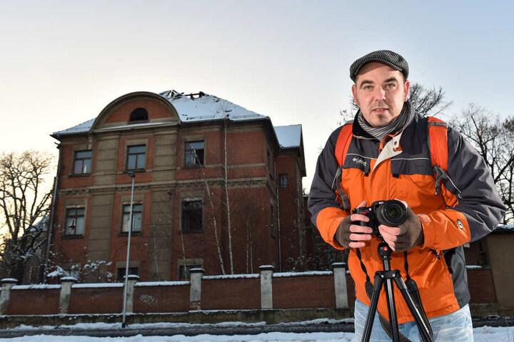 Der Fotograf Mario Gast dokumentiert in mystischen Bildern den Verfall  des Landkrankenhauses (l.).
