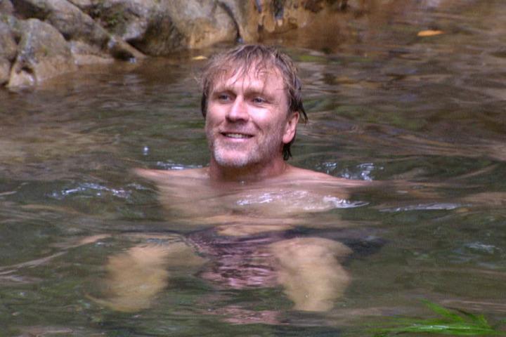 Der 48-Jährige ließ es sich in der Dschungel-Badewanne richtig gut gehen.