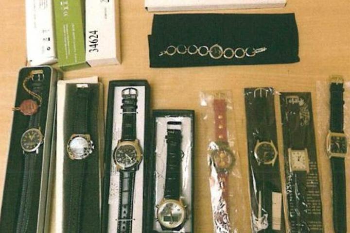 ... mehrere Uhren ...