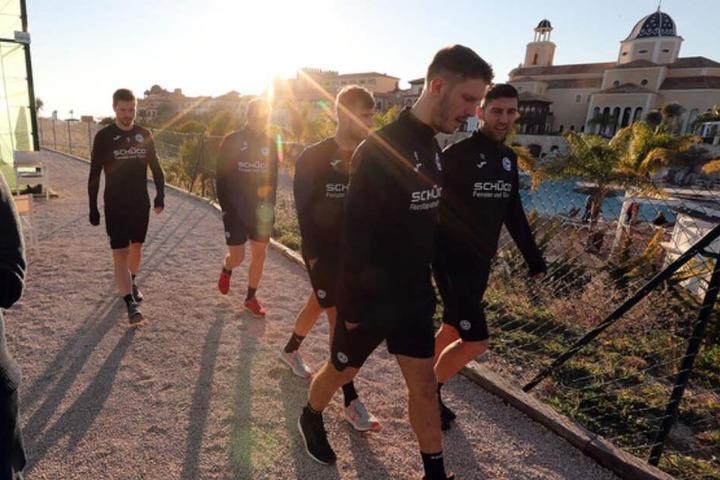 Unter der spanischen Sonne traten die DSC-Kicker zur ersten Laufeinheit an.