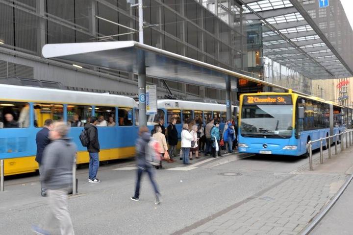Die CVAG-Leitzentrale muss ab Ende 2017 mehr Busse auf mehr Strecken  organisieren.