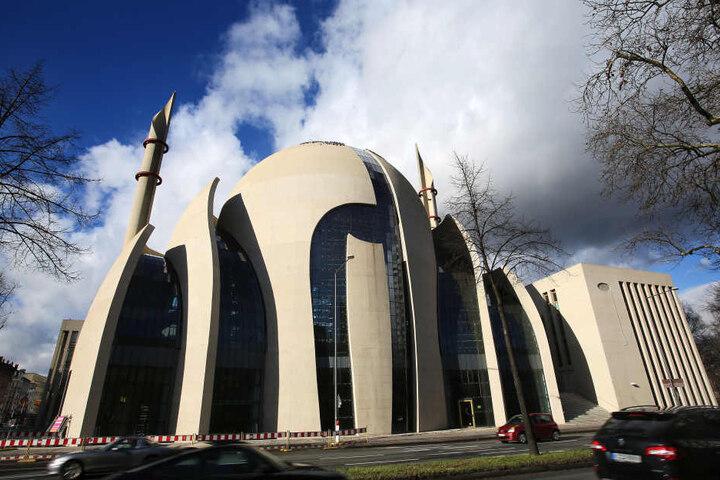 Etwa 1000 Moscheen, wie diese in Köln, sind am Montag geöffnet.