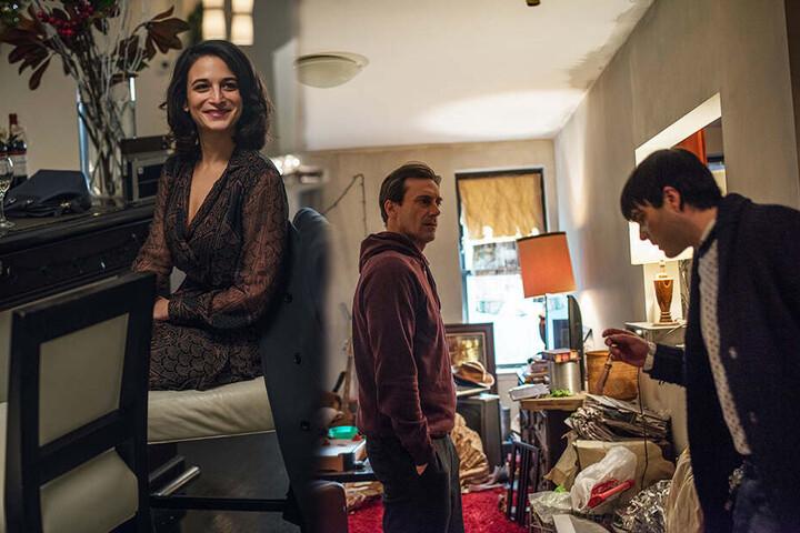 Die zwei wichtigsten Bezugspersonen im Leben von Josh Norman (r., Zachary Quinto) sind sein Bruder Craig (M., Jon Hamm) und seine Psychiaterin Emily Milburton (Jenny Slate). (Bildmontage)