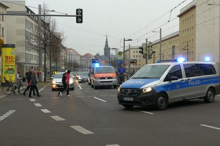 Der Verkehr wird an der Unfallstelle umgeleitet.