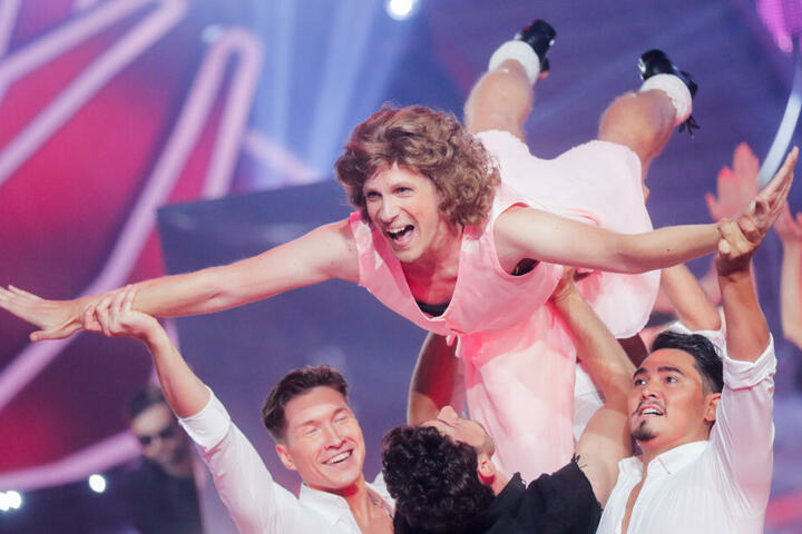 """Oliver Pocher (oben), Moderator, tanzt in der RTL-Tanzshow """"Let's Dance"""" im Coloneum."""