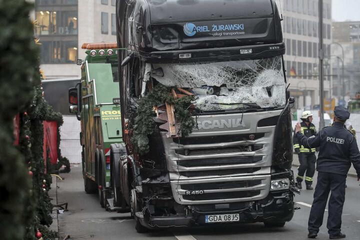 Der nagelneue Lkw musste verschrottet werden.