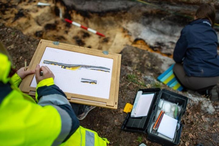 Die Archäologen fanden ein rund 2000 altes Marschlager in Bielefeld.