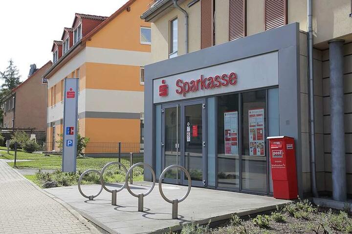 Diese Sparkassen-Filiale in Gittersee wollte der Lagerist Ende Mai plündern.