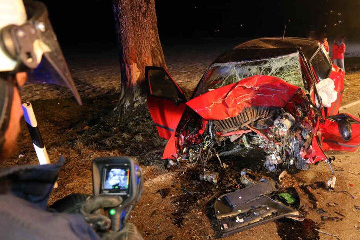 Der 27-Jährige starb noch am Unfallort.