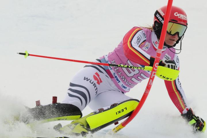 Skirennfahrerin Marlene Schmotz muss erneut lange pausieren. Die Saison ist beendet.