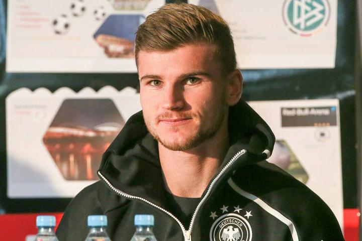 Vor dem DFB-Länderspiel gegen Russland in Leipzig schaute Werner vor gut einer Woche in der 94. Oberschule im Stadtteil Grünau vorbei.